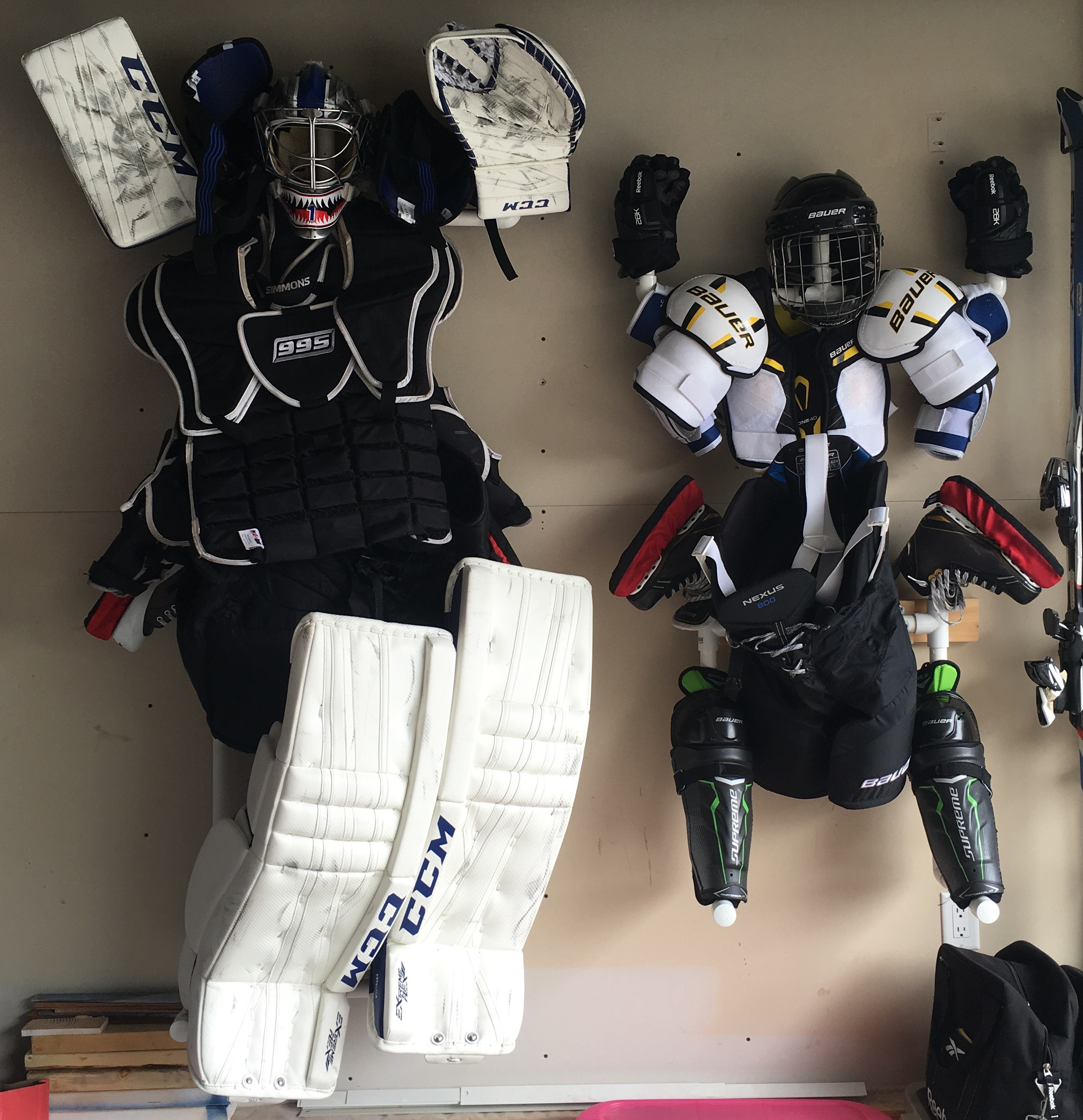 Ordinaire Hockey Gear Drying Stands With Gear