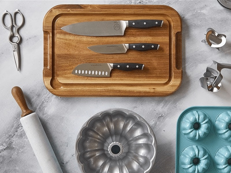Gifts for the At-Home Chef | Pampered Chef Flat Lay | Gift Guide | Kitchen Gadgets