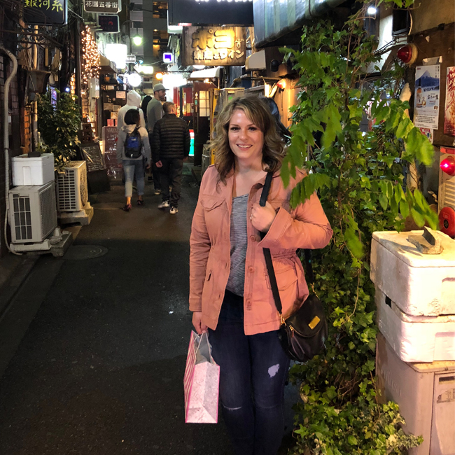 what to pack for japan, tokyo, shinjuku, golden gai, izakayas, outfit ideas, japan trip outfit ideas, japan trip outfit inspo, what to wear in japan, japan in spring, spring outfits japan, what to wear in japan in the springtime