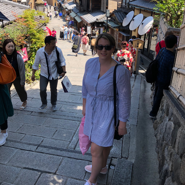 what to pack for japan, kiyomizudera, ninenzaka, kyoto, outfit ideas, japan trip outfit ideas, japan trip outfit inspo, what to wear in japan, japan in spring, spring outfits japan, what to wear in japan in the springtime