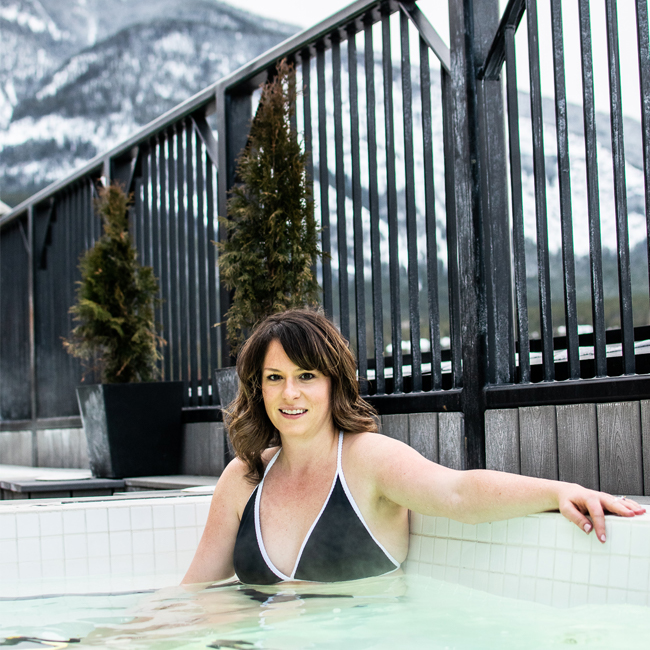 Mount Royal Hotel Banff, Centrally Located Banff Hotel, Where to Stay in Banff, Banff central hotels, places to stay in banff, rooftop hot tub banff