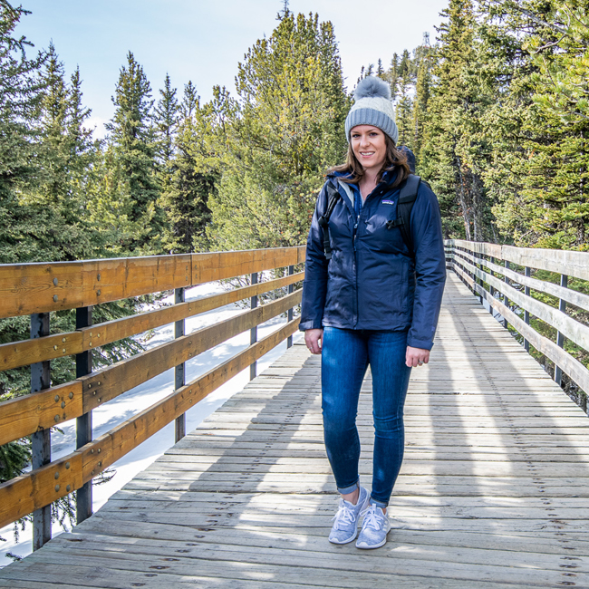 Spring transition outerwear, packable down jacket, how to style a down coat, spring outerwear ideas, best spring outerwear, best fall jackets