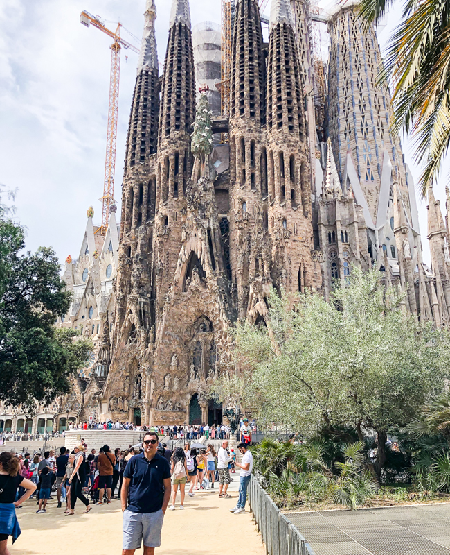 visit barcelona, barcelona travel guide, what to do in barcelona, trip to barcelona, what to see in barcelona, barcelona spain, visit catalunya, barcelona travel tips, sagrada familia barcelona