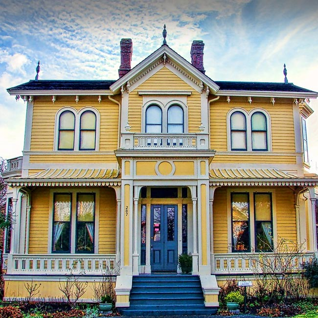 Canadian Artist, Emily Carr House Victoria BC Canada, Historic Architecture Victoria, Historic Architecture Canada, What to do in Victoria BC Canada, Things to see in Victoria, Things to do in Victoria, Travel Canada, Canada Travel, Tourism Victoria, Must see in Victoria