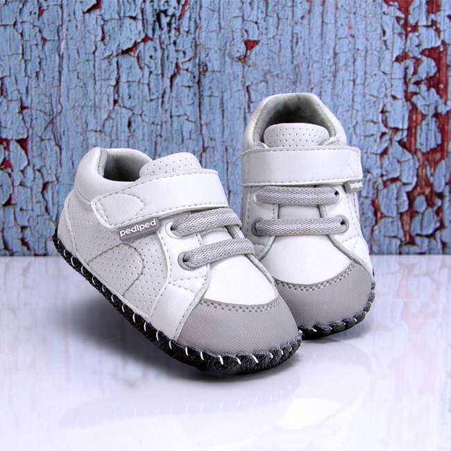 baby gifts that give back, baby gift ideas, gifts for new parents, gifts that support charities, charitable baby gift, unique baby gift, pediped baby shoes, pediped baby moccasins, baby shoes that give back