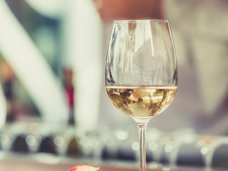 wines to try this summer, wine to drink this summer, best summer wines, what to drink this summer