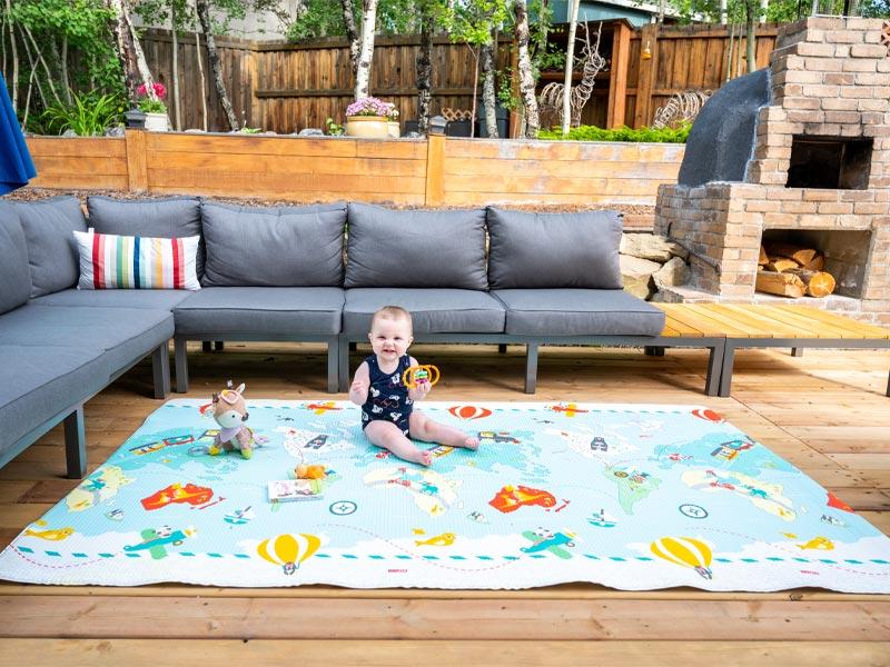 skip hop little traveler reversible play mat, roll up baby play mat, kids play mat, cute play mat, cushy play mat, stylish play mat for baby, baby gift ideas