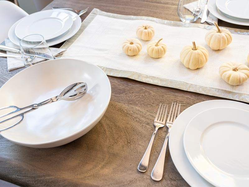 Thanksgiving table decor, simple table decor, simple dishes, simple thanksgiving table, white pumpkins, table runner, how to decorate a table, simple table ideas, easy thanksgiving tables, halloween tables, fall table decor, neutral fall table decor, neutral fall tablescape, white dishes for fall, stoneware serving dishes