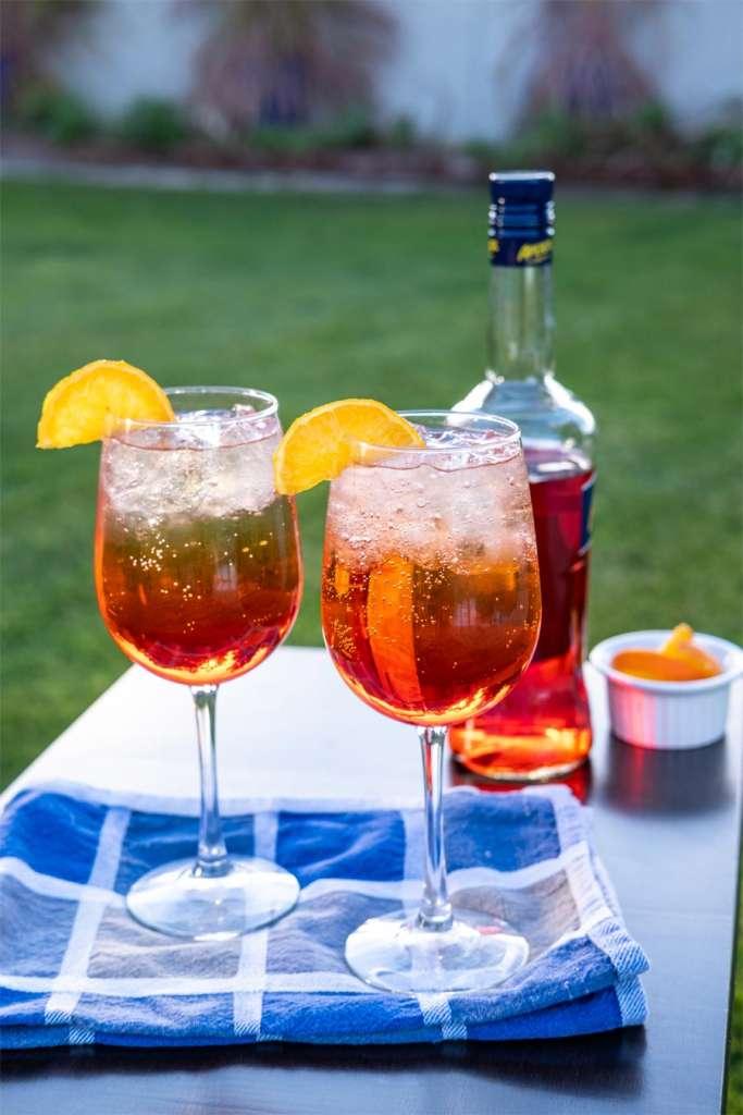 Aperol Spritz-o-Clock Hard Seltzer Cocktail, hard seltzer cocktail recipes, aperol spritz cocktail recipe, summer cocktail recipes