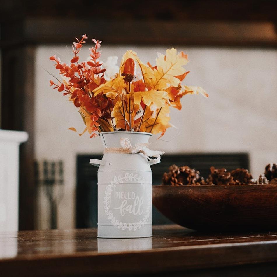 fall floral arrangements, fall floral decor, fall vase arrangements, fall vases, leafy arrangements, wild flower arrangements, fall table design, thanksgiving florals, thanksgiving floral arrangements