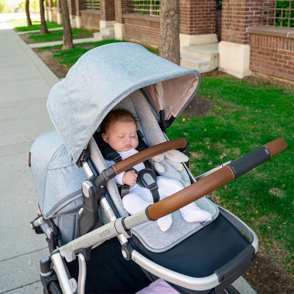UPPAbaby VISTA stroller review, best stroller for two kids, best double stroller, UPPAbaby strollers, UPPAbaby VISTA Gregory, best stroller, modern stroller, modular stroller, UPPAbaby VISTA infant insert, infant stroller