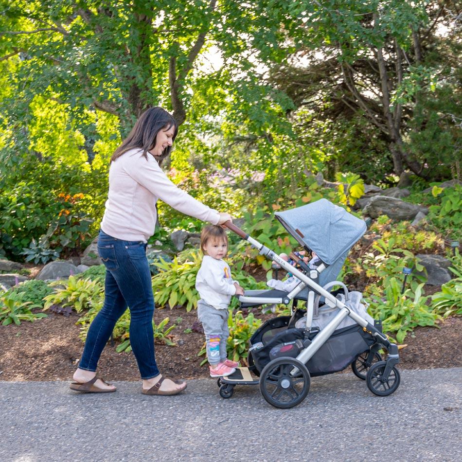 UPPAbaby VISTA stroller review, best stroller for two kids, best double stroller, UPPAbaby strollers, UPPAbaby VISTA Gregory, best stroller, modern stroller, modular stroller, UPPAbaby VISTA piggy back board, UPPAbaby VISTA buddy board